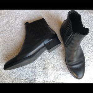 Zara Flat Leather Ankle Boots Size 6